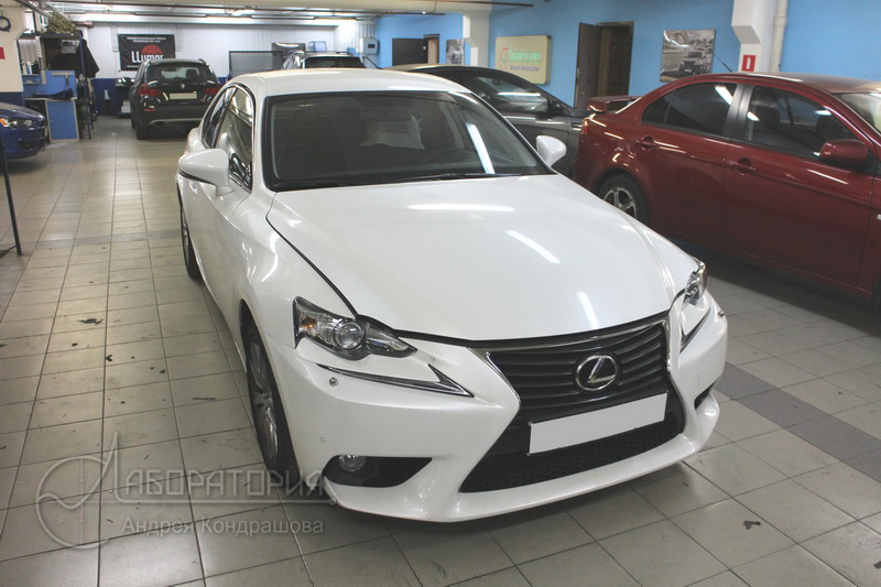 Lexus IS250 (III)