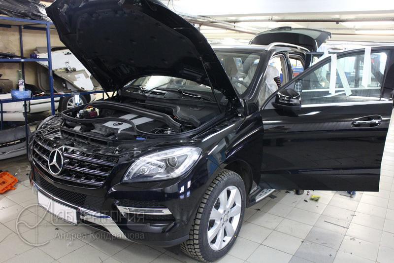 Mercedes ML500 (W166)