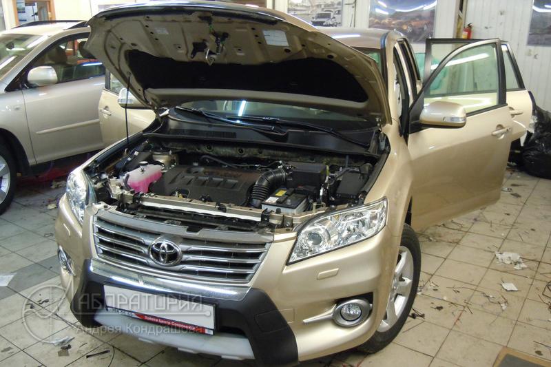 Toyota RAV4 (III)