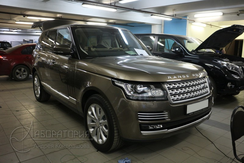 Lab_LR_RangeRover_Vogue_1